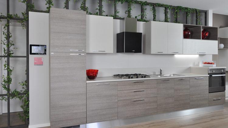 Splendida composizione di cucina Scavolini modello Sax in offerta